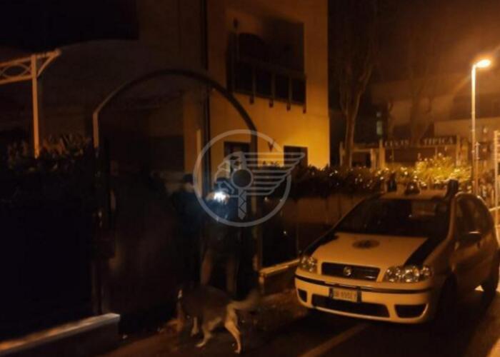 Nell'hotel chiuso ospiti abusivi: sgombero e denunce della Polizia Locale