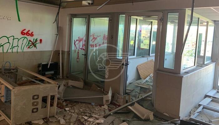 Tre stranieri trovati nello stabile abbandonato di via Ugo Bassi