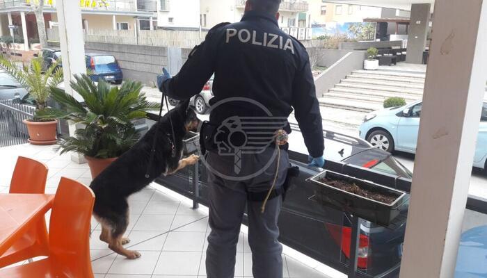 La Polizia di Stato trova in un hotel chiuso di Bellariva un clandestino con l'eroina