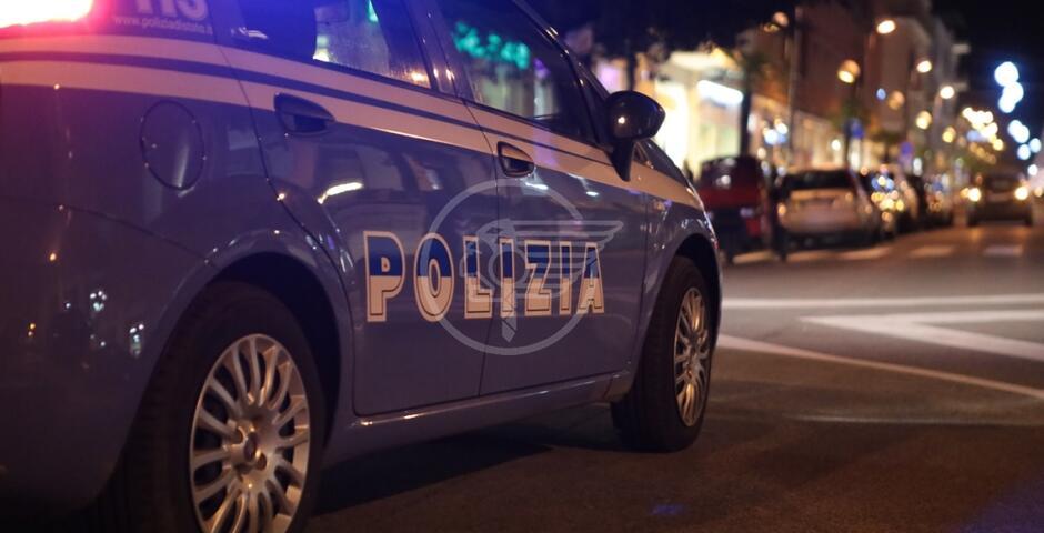 Ladri in un negozio di Corso d'Augusto, 21enne catturato dalla Polizia