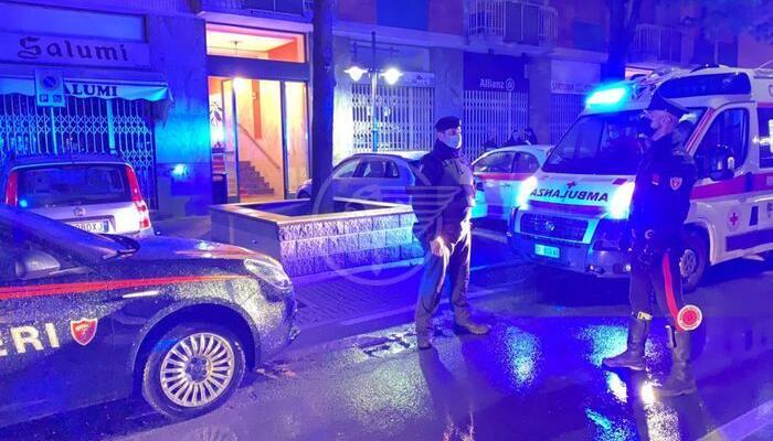 Uccide moglie, figlio disabile e due vicini di casa anziani: tragedia della follia nel Torinese
