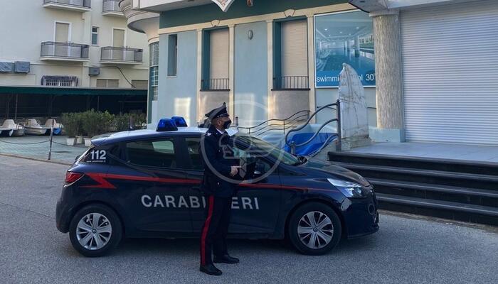 Svaligiava alberghi chiusi per Covid: preso il ladro, è un pregiudicato di 41 anni
