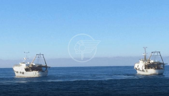 La Marina libica mitraglia tre pescherecci italiani, ferito uno dei comandanti