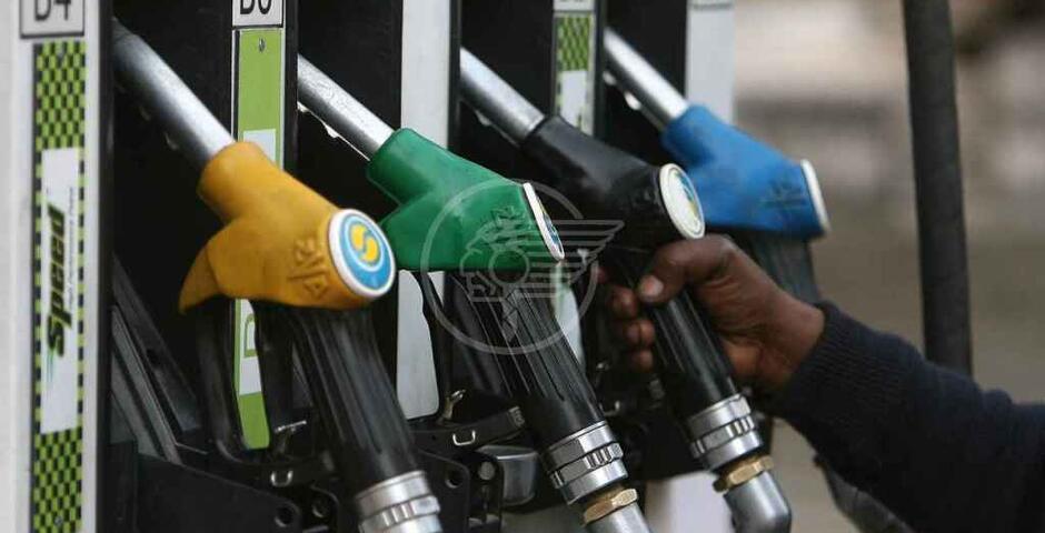 Benzina: la verde salita a 1,6 euro, sui massimi da due anni