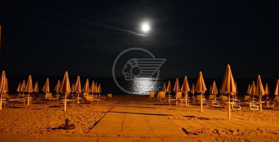 Obbligo di illuminazione notturna in spiaggia, sei multe da 1.032 euro ognuna