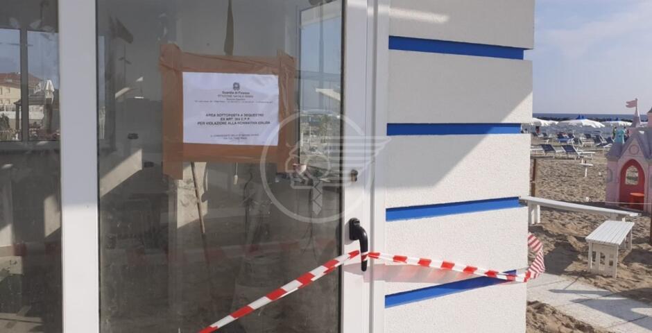 La Finanza pone sotto sequestro le nuove cabine del Kokobay, il titolare infuriato