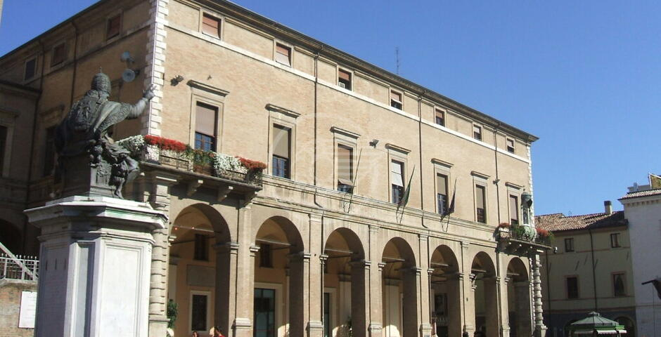Annunciano Ceccarelli e poi offrono la candidatura a Barboni (FI): Lega e Morrone al bivio