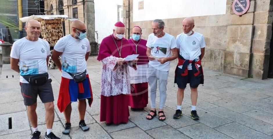 La bandiera del Titano è arrivata a Santiago di Compostela