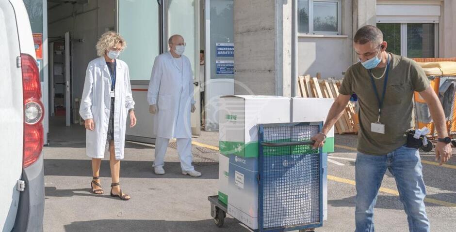 Il Titano consegna all'Italia oltre 8mila dosi di vaccino Pfizer