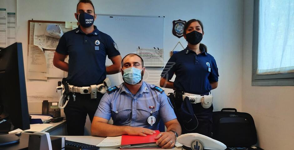 La truffa delle false polizze assicurative: denunciati una donna di San Salvador e un giovane italiano