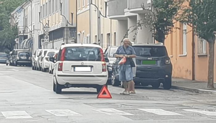 Investimento sulle strisce in pieno centro a Morciano: la persona ferita è grave al Bufalini