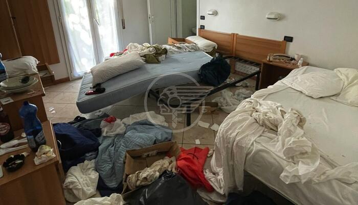 Blitz all'Hotel Dream di Miramare: trovati abusivi denunciati e allontanati