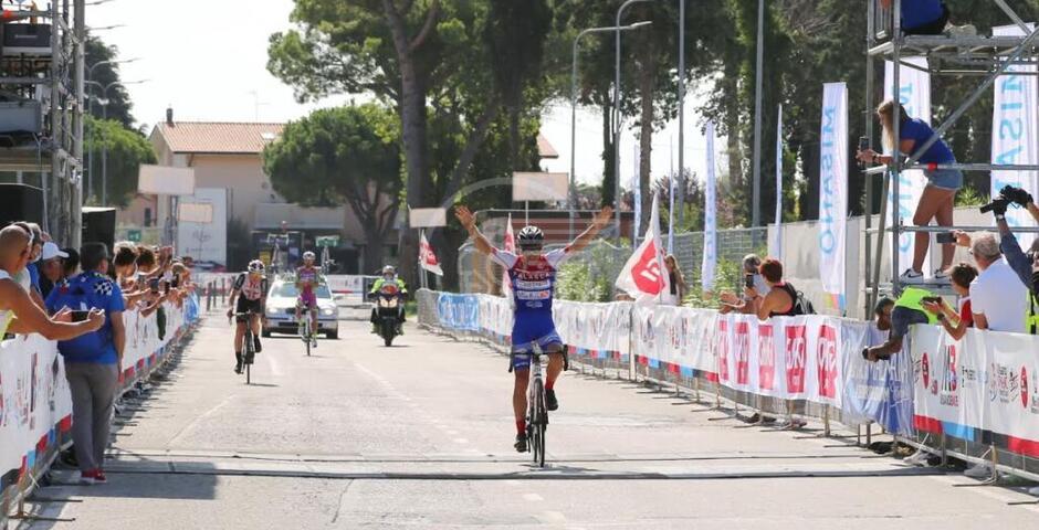 La prima edizione della Gran Fondo dei Campioni incorona Pozzetto e la Gorini