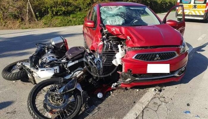 Violento scontro tra un'auto ed una moto a S. Andrea in Besanigo: un ferito grave