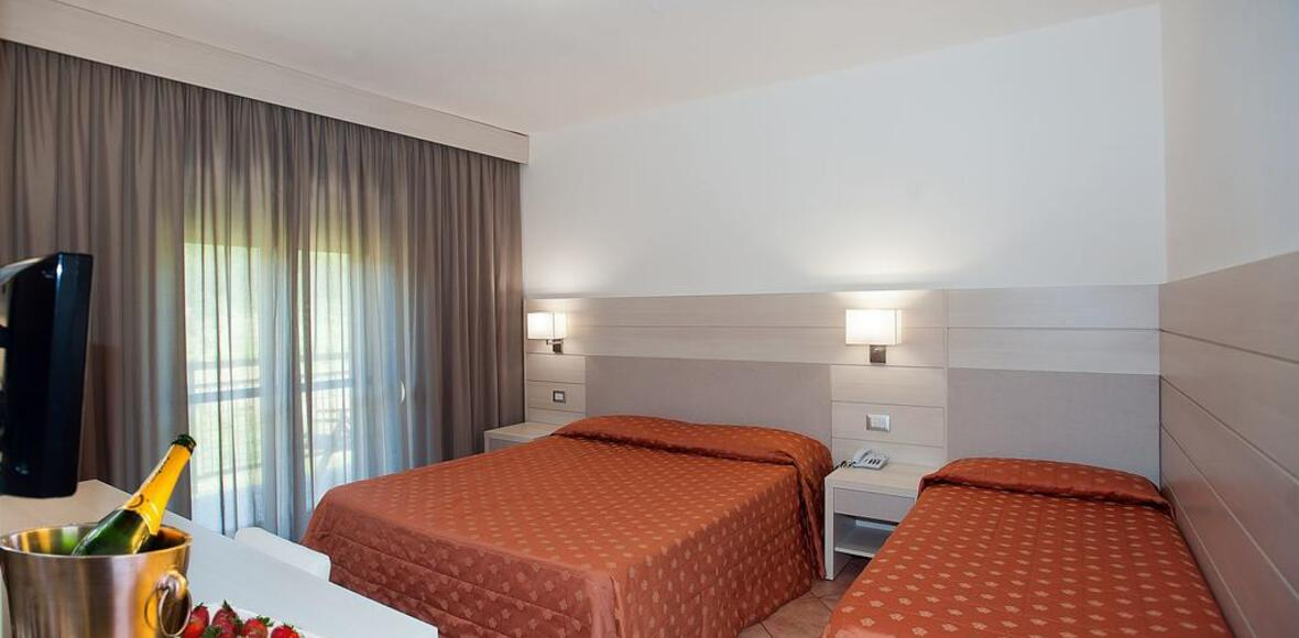 iperviaggi it scheda-magnola-palace-hotel-1948 013