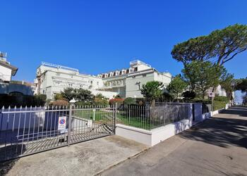 perazzini en holiday-homes-ground-floor-riccione-s92 028