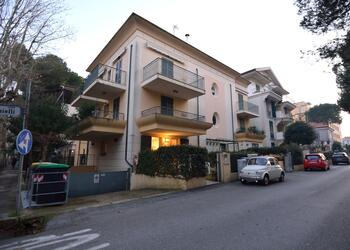 perazzini en holiday-homes-ground-floor-riccione-s92 124