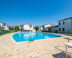 vear en rent-three-rooms-detached-house-lidi-ferraresi-t7 096