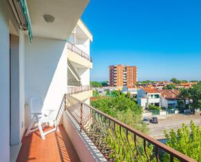 vear en rent-apartment-three-room-flats-lidi-ferraresi-t5 025