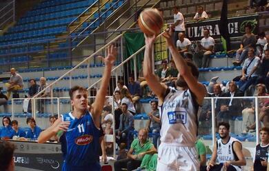 Immagine News - basket-dnc-a-faenza-il-derby-con-la-capolista-imola