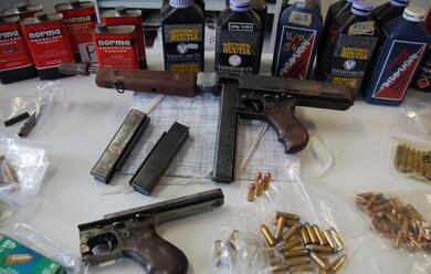 Immagine News - trovato-con-un-arsenale-in-casa-nei-guai-38enne-ravennate