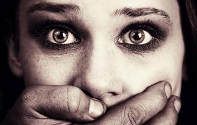 Immagine News - la-polizia-contro-la-violenza-alle-donne