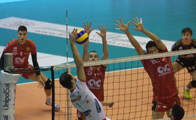 volley-a1-modena-au-troppo-forte-per-la-cmc