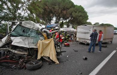 Immagine News - frontale-a-ponte-bellocchio-muore-un-48enne