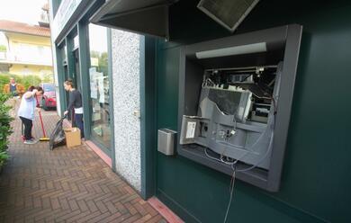 Immagine News - fanno-saltare-il-bancomat-nella-notte-al-credito-cooperativo-di-sala-di-cesenatico