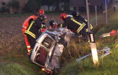 Immagine News - grave-incidente-sulla-faentina-tre-feriti