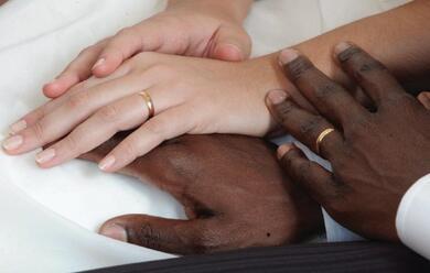 Immagine News - matrimoni-misti-in-crescita-62-ma-durano-di-meno