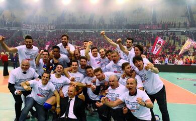 volley-la-bunge-ravenna-vince-la-challenge-cup-ad-atene-dopo-21-anni-dallultimo-trofeo-europeo