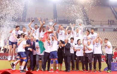 Immagine News - volley-challenge-cup-domani-in-piazza-del-popolo-la-citta-festeggia-la-vittoria-della-bunge