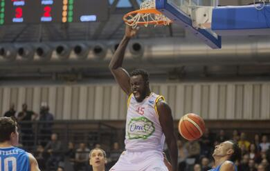 Immagine News - basket-a2-lorasa-cade-in-volata-a-jesi-e-vede-sfumare-i-play-off