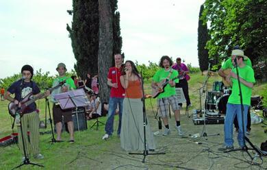 Immagine News - gioveda-10-riparte-la-musica-nelle-aie-natura-cultura-cucina-tradizioni-e-taranta