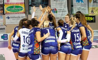 volley-a2-donne-play-off-la-battistelli-cade-a-chieri-e-domenica-si-giochera-la-promozione-al-flaminio