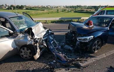 Immagine News - ravenna-frontale-tra-auto-due-feriti