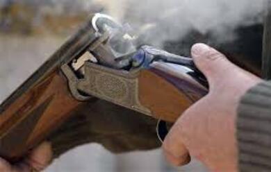 Immagine News - faenza-lamico-gli-spara-per-sbaglio-operato-durgenza-allocchio