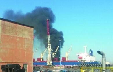 Immagine News - ravenna-domato-incendio-alla-versalis