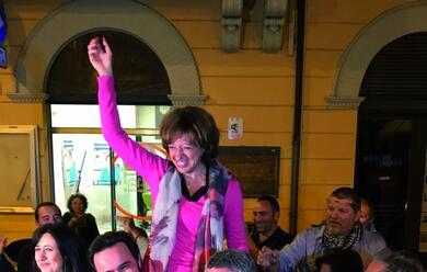 Immagine News - imola-domenica-24-giugno-la-storica-vittoria-con-la-pentastellata-manuela-sangiorgi-nuovo-sindaco