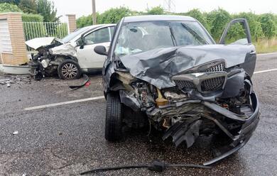 Immagine News - cotignola-scontro-tra-auto-due-feriti
