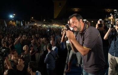 Immagine News - cervia-festa-della-lega-in-migliaia-per-salvini-arivoluzione-tasse-in-autunnoa