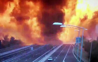 Immagine News - bologna-incidente-in-tangenziale-fiamme-ed-esplosioni-un-morto-e-145-feriti