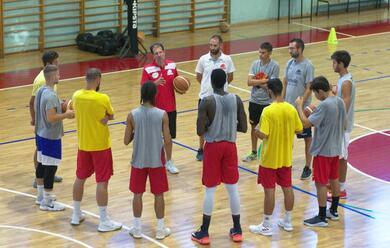 Immagine News - basket-a2-il-primo-allenamento-dellorasa-agli-ordini-di-mazzon-apoco-da-parlare-e-tanto-da-lavorarea