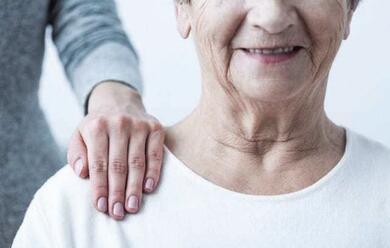 Immagine News - alzheimer-le-associazioni-di-ravenna-e-faenza-apia1-servizi-ma-ancora-tanta-solitudinea