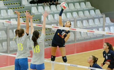 volley-a2-donne-il-campionato-della-teodora-comincia-con-una-sconfitta-a-perugia