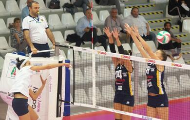 Immagine News - volley-a2-donne-la-teodora-vince-e-convince-nel-debutto-al-palacosta