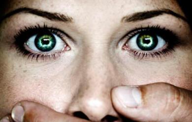 Immagine News - rimini-maltrattata-per-anni-dal-marito-tenta-il-suicidio