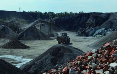 Immagine News - faenza-il-direttore-di-astra-boris-pesci-lancia-laallarme-la-filiera-dei-rifiuti-au-bloccata