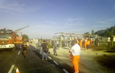 Immagine News - ravenna-crolla-diga-invaso-a-san-bartolo-tecnico-della-protezione-civile-precipita-in-acqua